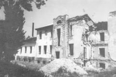 Руины больницы после 1945 года